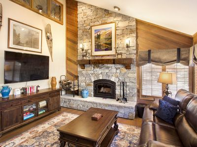 Photo for Wonderful condo with underground parking, Walk to Canyon Lodge, Close to hiking