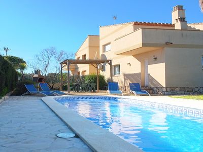 Photo for Villa Martina with private garden & pool only 15mins walk to sandy beach