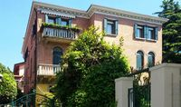 Great place to stay while visiting Venice and surrounding islands.