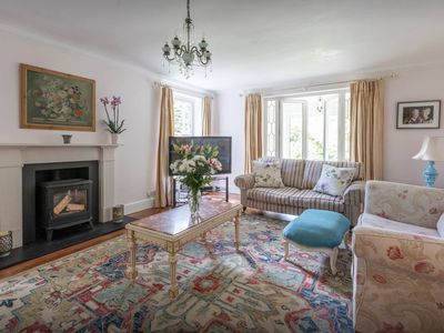 Photo for Spacious luxurious house in the Surrey countryside, sleeps 11