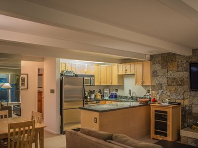 Photo for Cozy Aspen condo, walk to shops/restaurants/gondola