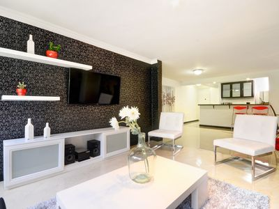 Upscale Apartment on Golden Mile