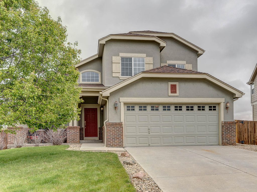 Beautiful 3 2 5 near buckley air force base vrbo for Buckley house