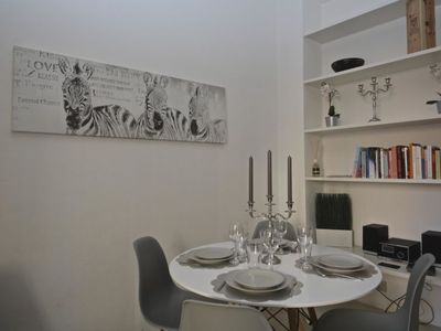 Photo for 3 bedroom Apartment, sleeps 7 with Air Con and Walk to Shops