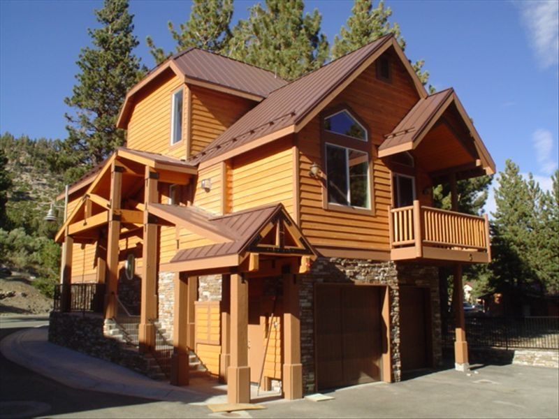 Exclusive mammoth detached townhome walki homeaway for Detached townhomes