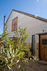 Photo for 1BR Guest House Vacation Rental in Bright, VIC