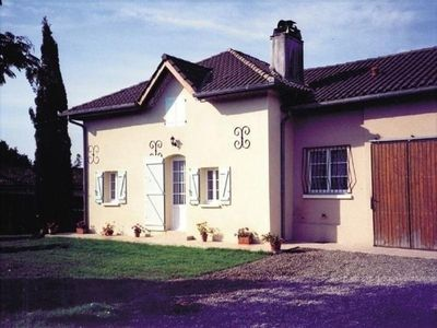 Photo for Gite Hontanx, 3 bedrooms, 5 persons
