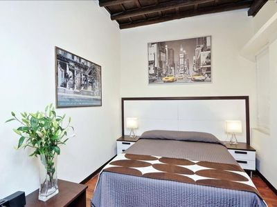 Photo for Vicolo de' Cinque B  apartment in Trastevere with WiFi, integrated air conditioning & balcony.