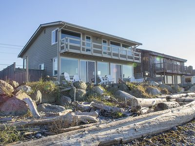 Photo for Fabulous West Beach House, Island Living at its Best!