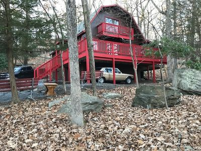 Photo for Cabin with 3 bed/ 2 bath cradled in trees with Wi-Fi in amenity filled community