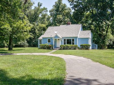 Photo for Charming Remodeled 1930's Cottage Retreat - City Convenience in Country Setting