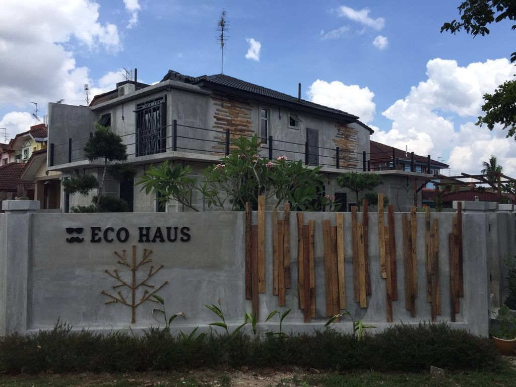 eco haus garden r sidentiel bukit indah location de vacances bed and breakfast bukit indah. Black Bedroom Furniture Sets. Home Design Ideas