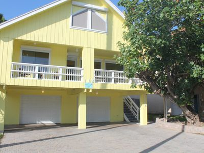 Life is good at Beach Walk! Private heated pool, hottub, game area, Ping Pong.