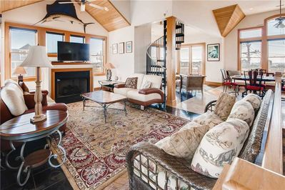Surf-or-Sound-Realty-Hatteras-Seaduction-528-Great-Room