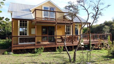 Photo for Ideally situated within a short drive to the 12 Apostles and Loch Ard Gorge