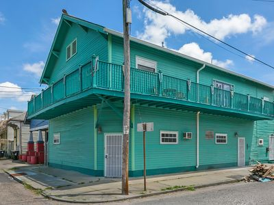 Photo for ⭐️Awesome Frenchmen St Location near FQ w/Wrap-Around Balcony (18STR-20609)