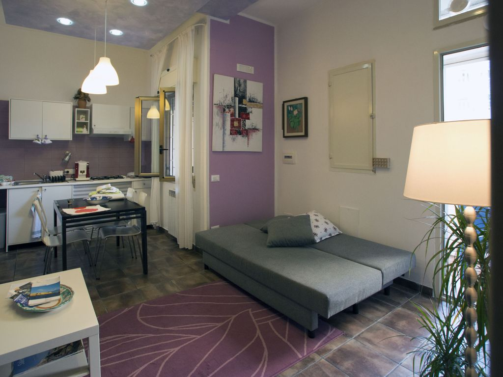 Charming Apartment in Salerno - 1662875