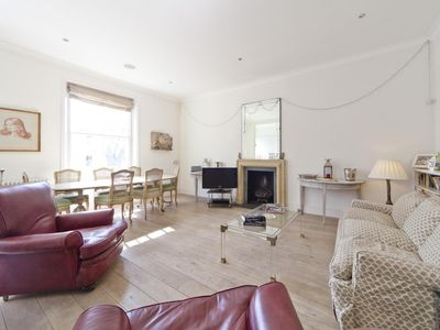 Photo for Bassett Road IV - luxury 2 bedrooms serviced apartment - Travel Keys