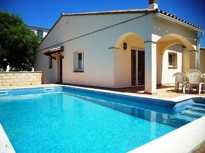 Photo for House with private pool for 5 poeple at 1500 m from the beach in L'Escala