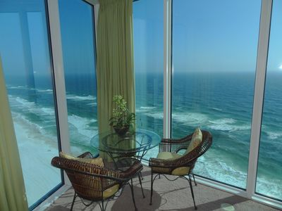 Photo for Corner Penthouse Luxury! Desirable West End. Park under building.  Beach Service