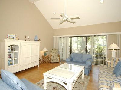Photo for 3 bedroom, 3 bath, end-unit townhouse in the Inverness Village section of Palmetto Dunes Resort.