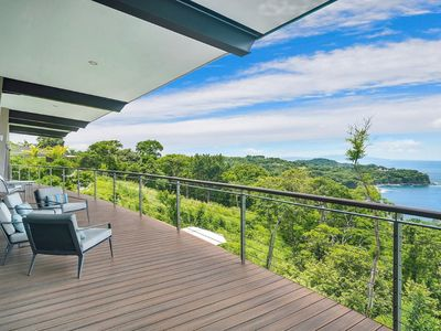 Photo for Exceptional view to the ocean with infinity pool