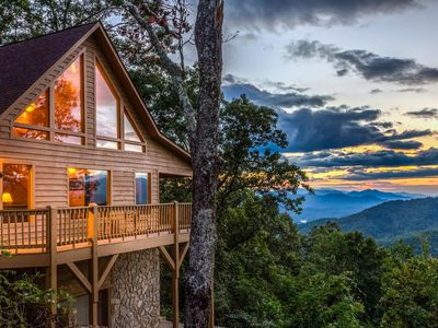 Photo for Heaven on Earth - Secluded cabin w/hot tub, deck, views - located in Bryson City