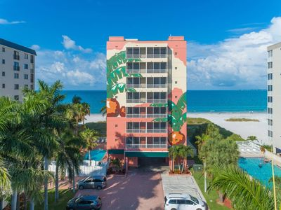 Photo for BEACHFRONT FORT MYERS HOTEL CONDO with POOL - 101