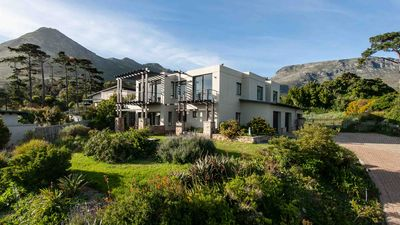 Photo for Luxurious holiday house with stunning sea views at the foot of Chapman's Peak