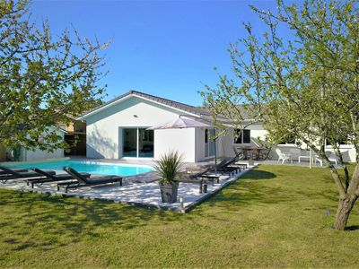 Photo for Villa 8 pers. 150m² with heated pool