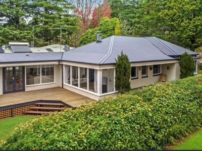 Photo for 5 Star Luxury @ Leura - Close to Shops & Cafes - Pet Friendly!