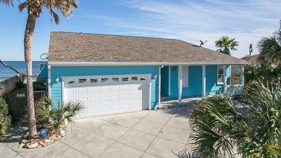 Photo for 3 bedroom, 2 bath, pet friendly home located right on the beach. Fenced yard.