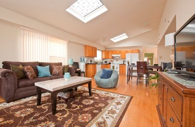 Bi level apartment, approximately 2,000 sq ft. Bright apt with an open layout.