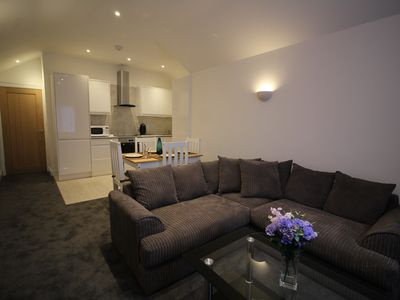 Photo for Exquisite 1 Bed/1 Bath Cosy Apartment near to Heathrow