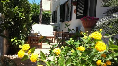 Photo for Ground floor seaside villa a few meters from the beach, near Ostuni