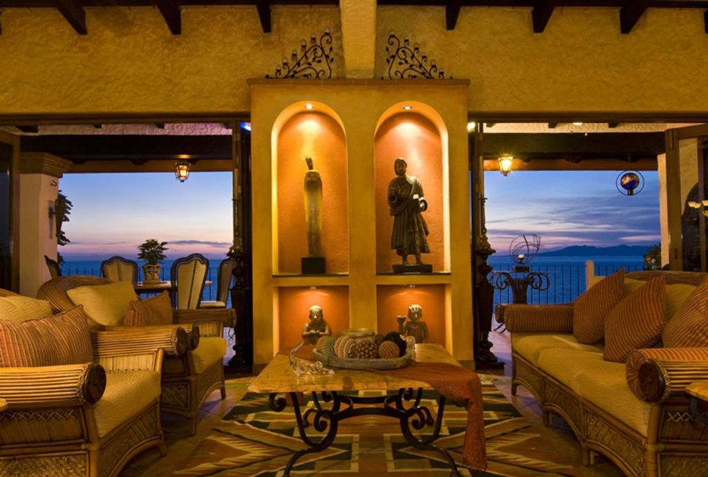 Warm elegant Mexican charm with a beautiful panoramic city/bay view