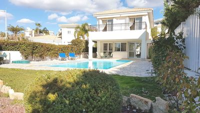Photo for Villa Daria - Four Bedroom Walking Distance to the Beach