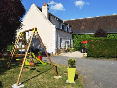 Photo for Gite Beaumont-la-Ronce, 4 bedrooms, 8 persons