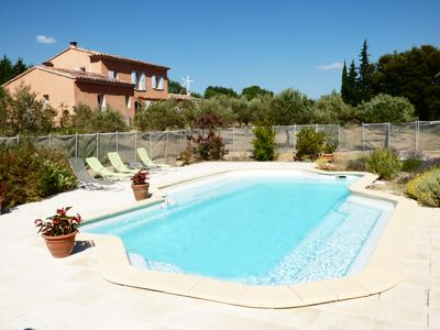 Photo for Part of house in the country 1,5 km far from the superb village Cucuron