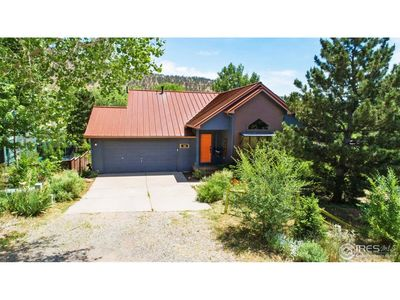 Photo for One of the nicest house rentals available in Lyons, Colorado