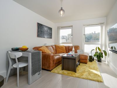 Photo for Gorgeous Flat in Central London