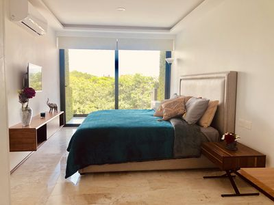 Photo for Beautiful apartment overlooking the Caribbean Sea