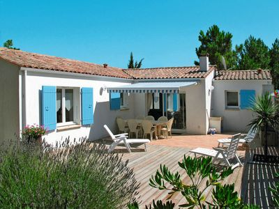 Photo for 3 bedroom Villa, sleeps 6 in Chaucre with WiFi