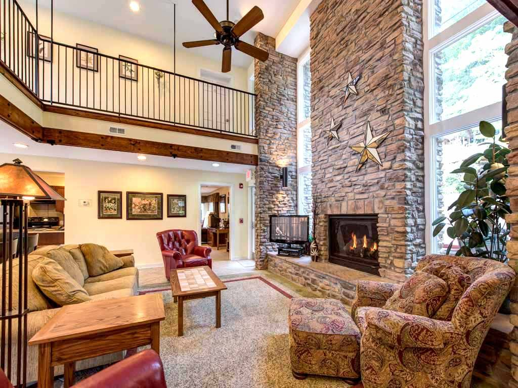 Four Sistersu0027 Lodge, 5 Bedrooms, Sleeps 20, Great For Groups, Downtown