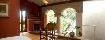Enchanting Oasis secluded sanctuary with panoramic views 2 story guest suite