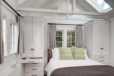 Delightful Bedroom suite complete with built in closet/dresser units