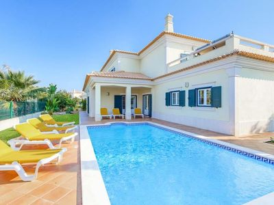 Photo for 4 bedroom Villa, sleeps 8 in Correeira with Pool, Air Con and WiFi