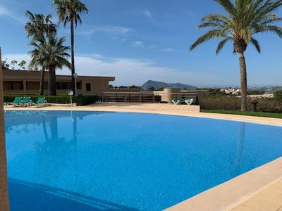 Photo for Apartment with large terrace, pool, 5 km from the beach with air conditioning