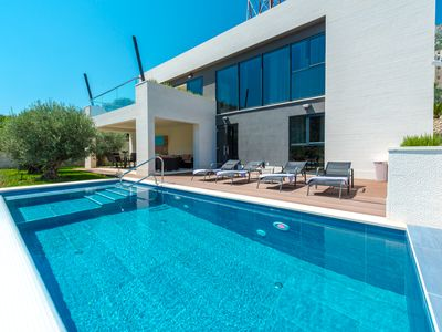Photo for Elegant Villa Lu with spectacular sea view in Dubrovnik -infinity swimming pool