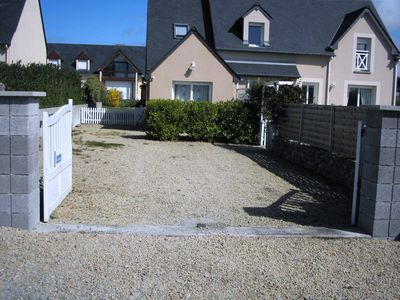 Photo for Semi-detached house in a quiet neighborhood 500m from the village